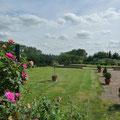 gite beauvais,la pelouse, gite de la Loge,terrain de pétanque,proche gisors,Gite Gisors, proche de Beauvais, à 1 h de Paris, en Picardie, à la campagne