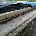 Ortgangbalken herruntergeschnitten bis zum trockenen Holz