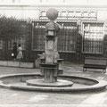 Der Brunnen war eine Arbeit des Magdeburger Metallgestalter Josef Bzdok