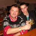 Sektionsleiter Roman Winglhofer und Schriftführer Stefan Etzel stoßen auf das gelungene Fest an