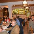Viele Gäste sind der Einladung in den Walkensteinerhof gefolgt