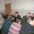 Viele USV Freunde im beheizten FF Haus