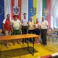 Siegerpokal für die größte Gruppe: 23 Teilnehmer