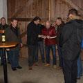 ARV Karl Schleinzer übergibt eine Urkunde und eine Ehrengeschenk in Anwesenheit der USV AR an Martin Bruckner anläßlich seines ausscheidens aus der AR Funktion