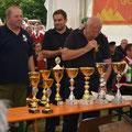 Organisator Anton Zeder und Team bei der Siegerehrung...