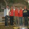 Bgm. Franz GÖD überreicht den Pokal für die stärkste Gruppe