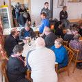"""Im Hintergrund: unser fleissiges Küchenpersonal die für """"Speis und Trank"""" sorgten..."""