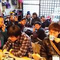 2014.3.27 地元のNPO法人の方が「Project架け橋」参加の九州大学のボランティアのみなさんとご来店!ありがとうございました!!