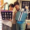 2014.7.20 気仙沼ヨガ普及委員会の千葉さんとみどり接骨院の畠山さん!オーダーバッグを手に♪それぞれの個性が出ていてとっても素敵です〜♡♡ありがとうございました!