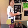 2014.5.20 ロンドン在住の吉田さんがお友達のニックを連れて二度目のご来店♪メッセンジャーバッグお似合いです♡