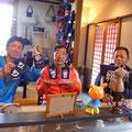 2014.7.1 香川県から護岸工事の仕事で気仙沼に来られている髙橋様と潜水士の方々♡髙橋様、ご注文の品は気に入られましたか〜?ありがとうございました♡♡