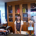 2013.9.7 ボランティアの史織ちゃんです。水曜日から今日までお店のお手伝いありがとうございましたー!!