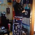 News クロス23 でおなじみのTBSアナウンサー 膳場貴子さんが2012.3.11  1年ぶりにギャラリー縁にご来店下さいました! スタッフ全員、興奮気味で1年ぶりの再会を喜びました (汗)