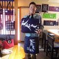 2013.11.2 GANBAAREセレクトセールの記念すべきご購入第1号様☆第一弾限定品「蒼天伝ボストンバック」を手ににっこり。 ありがとうございます!!