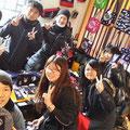 2014.3.7 九州大学のボランティア&九州出身の方々!驚きの九州つながりでお店がにぎやかになりましたー♡