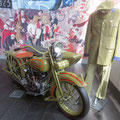 Harley outfit inside the RACT shop -  Harley Gespann im RACT (Automobilclub) Laden