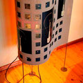 Onde, la lampada in cartone riciclato e radiografie di lampade realizzata da Stefania Pallotta