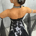 髪飾もピンが付いているのでドレスにも使用可能