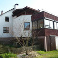 Doppelhaushälfte mit Lagerhalle in Riederich