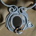 """collana in macramè """"MEDUSA"""" 2 - cotone, sasso di mare e perle di vetro"""