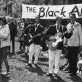 Een van de allereerste concerten van The Black Albino's uit 1961. vlnr: Hans Schoots, Joop van Heusden, Joop Jonkers (Dean Holley)