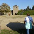 Xanten: Eine Mauer mit Wachtürmen umzieht den Park - einst ein römisches Kastell