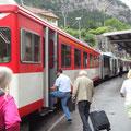 Rückfahrt mit der Bergbahn nach Andermatt ...