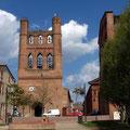 façade de l'église de Villefranche de Lauragais près des Gites des Camparros à Nailloux