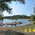 lac de la Thésauque avec le ponton des pédalos près des Gites des Camparros à Nailloux