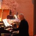Eva Pfaller am Klavier