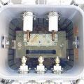 油入変圧器の内部(新品時) 素晴らしい透明感。