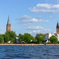 Links Kirchturm von der St. Laurentius Stadtkirche-Rechts Turm vom Rathhaus Köpenick
