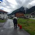 Kaltasphaltarbeiten bei der Zufahrt Schlosskopf