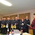 Die Bürgermeiseterin Heinke Desesen richtet ihre Dankesworte und die Grüße der Gemeindevertretung an die Kameraden