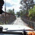 Der Weg nach Lanquin führt über marode Brücken,