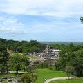 Blickvon Kreuztempel auf dem Palast
