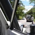 Die Fahrt nach San Christobal hat ein jähes Ende als ca. 40 LKW´s für eine DEMO die Straße MEX186 versperren