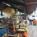 Der Markt (Gemüse/Obst und nebendran der Artesania-Markt der indegenen Ein- und Anwohner von El Valle