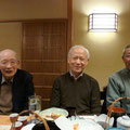 左から 千葉さん(なんと90歳でいらっしゃいます) 鶴田先生、石木田さん(盛岡ハーモニカ同好会会長)