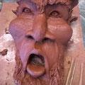 """Caco sculpte ...en attendant au Prieuré Saint Michel de Grandmont - Soumont 34 - pendant l'expo """" Le Cinquième élément """" cet été 2017 ..."""