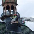 Fast fertig: Die von Herrn Berger eigens konstruierte Aufhängevorrichtung ist montiert. Foto: D. Jansen