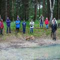 """Eine unserer Veranstaltungen: Naturwanderung durch den NABU-Wald """"Hölle""""."""