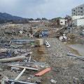 陸前高田、線路跡。雇用促進住宅・下宿団地付近