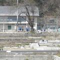 田老中学校(グランドは浸水)