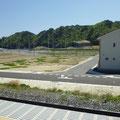 275 鵜住居駅から見たラグビー場