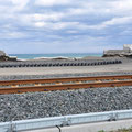 0467 三陸鉄道北リアス線沿いの防波堤に被害は昨年と同様