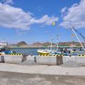 0076 南相馬市・真野川河口の漁港 荷上場は復旧、周辺は何もない。