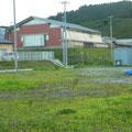 382 送出口の上は気仙保育所(左)と気仙小学校(右)