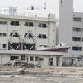 志津川病院(裏)