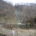 久慈川上流の国道281号の迂回道路の斜面崩壊。